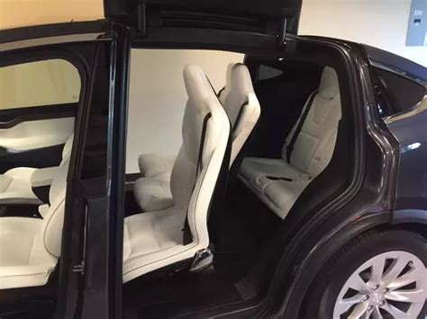 suv seats 6 comfortably will the tesla model x suv really hold 7 people