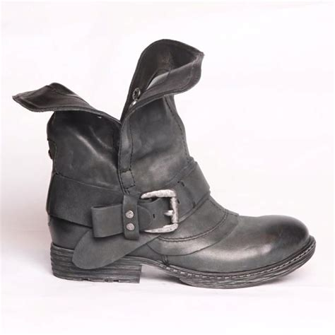 motorcycle boots canada 17 best ideas about motorcycle boots on pinterest