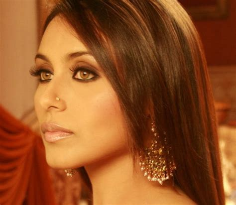 Eyeliner Ranee rani mukherjee beautiful golden