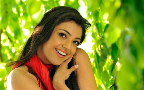 Kajal Aggarwal naughty smile hot   New hd wallpaperNew hd wallpaper
