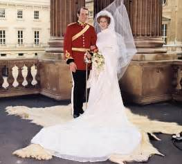 Diana Princess Of Wales Rose Royal Couture Royal Wedding Gowns A Look Back Through