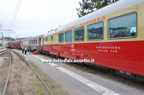 carrozza treno carrozza ristorante in coda ad un treno quot trans europ express quot