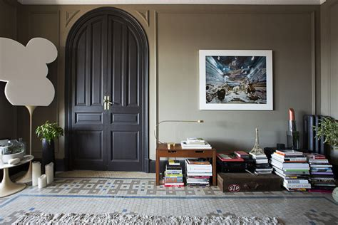 Displaying Books On The Floor - create a cozy reading nook me moments 2014 lonny