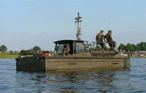 legerboten te koop duwboot legerboot pontonboot ex genie landmacht deutz