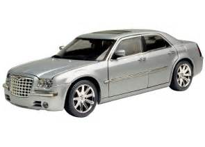 2005 Chrysler Models Chrysler 300c Hemi 2005 Diecast Model Car By Motor Max