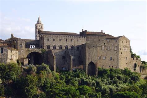 d italia viterbo file viterbo palast der p 228 pste 1255 66 turm cattedrale di