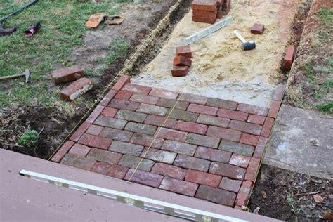 diy easy brick sidewalk ideas brick walkway decorating