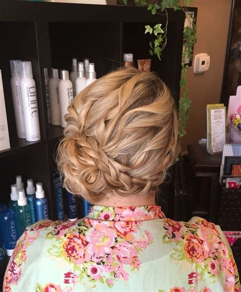 Wedding Hair Buns On Side by 1000 Ideas About Low Side Buns On Side Bun