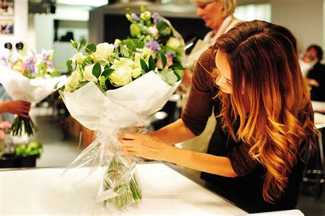 flower arranging class five of the best flower arranging classes in london