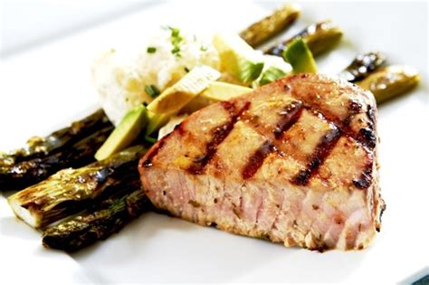grilling ahi tuna steaks gas grill 28 images open faced ahi tuna or chicken sandwiches and