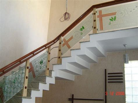 Glass Staircase Design Modern Staircase Of Wood And Glass Railings