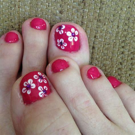 flower design on toenails 458 best images about pretty pedicure designs on pinterest