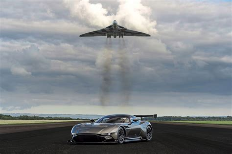Photo Op Flying At by Vulcan Meets Vulcan Aston Martin S Bomber Fly Past Photo