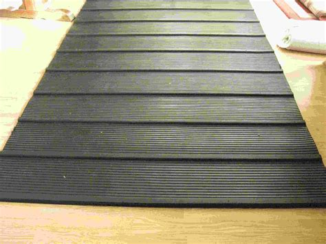 Trailer Mats by Trailer R Rubber Mat Photo Detailed