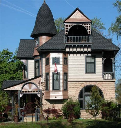 queen anne house style 1000 ideas about modern victorian homes on pinterest