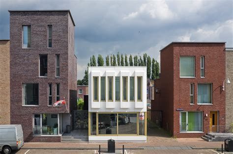 De Zwarte Hond Architecten by De Zwarte Hond Architectuurguide