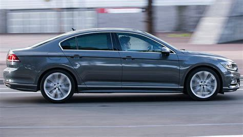 volkswagen passat 2015 2015 volkswagen passat sedan and wagon review carsguide