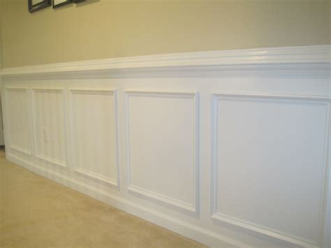 Wainscot Chair Rail designed to dwell tips for installing chair rail