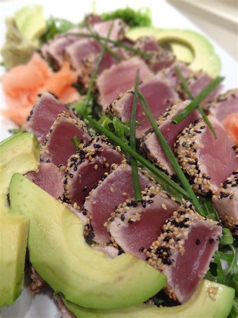 scrumpdillyicious sesame crusted seared ahi tuna with avocado