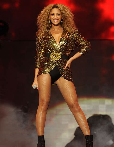 Beyonce In A by Performs At Glastonbury Festival Beyonce Photo 23308927