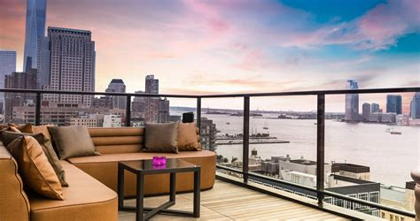 new york roof top bar the best rooftop bars in new york chicago and la