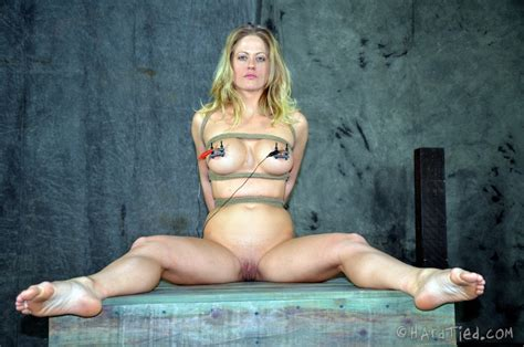 Metall Bondage Knocking Around Holly Heart Hardtied Pictures Collection