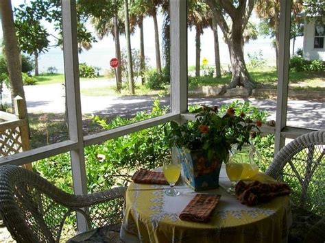 cedar key cottage rentals pin by gail warren on places to stay