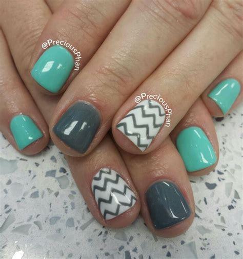 chevron pattern gel nails the 25 best mint chevron nails ideas on pinterest