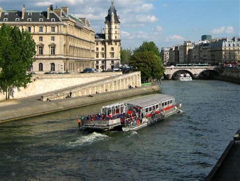 bateau mouche paris france 50 reasons to love paris
