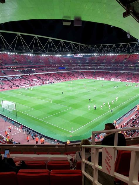 emirates stadium home  arsenal fc