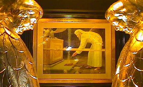 the mercy seat ark of the covenant replica