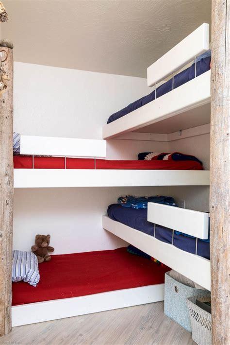 corner bunk beds best 25 corner bunk beds ideas on pinterest bunk rooms