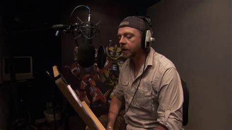 simon pegg voice simon pegg lends voice talent to spare parts