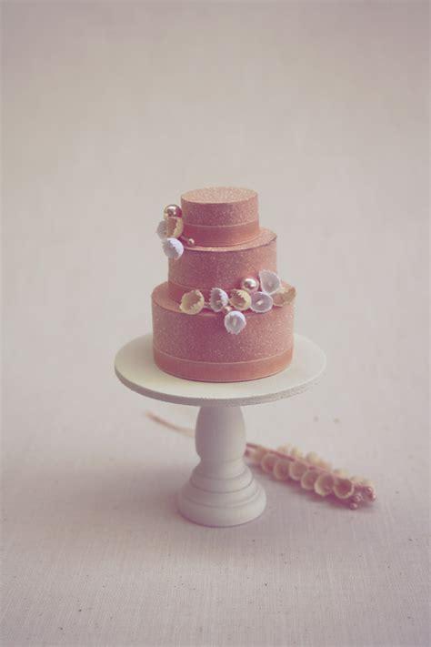 Wedding Cake Toppers: Mini Cakes!