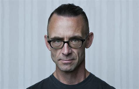 Chuck Palahniuk Essays by One Word Leads To The Next Unconventional Conjunctive Devices Litreactor