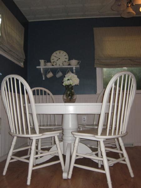 White Pedestal Kitchen Table White Kitchen Table Small White Kitchen Table Small White Kitchen Table And Chairs Kitchen