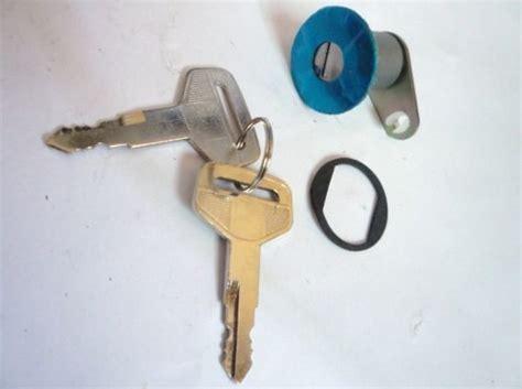 Door Key Kijang Grand Set door key alat mobil