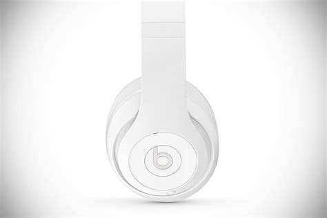 beats studio wireless a pricey bluetooth headphone with this beats headphones come with cast marble pillow for it