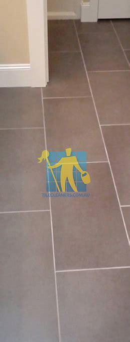 bathroom floor tiles brisbane porcelain tiles restoration brisbane tile restoration