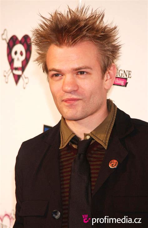 pictures of sum cut haircuts deryck whibley