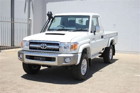 Toyota Land Cruiser 70 For Sale Used Toyota Land Cruiser 70 4 5d Single Cab Bakkie For