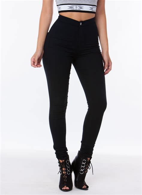 Highwaist 5 Button Black poured into my high waisted jeggings burgundy black