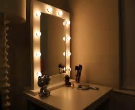 Vanity Lights In Bedroom Bedroom Vanity With Lights Bedroom Design Ideas 2017