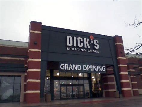 sporting goods flint michigan s sporting goods to open on south westnedge avenue in