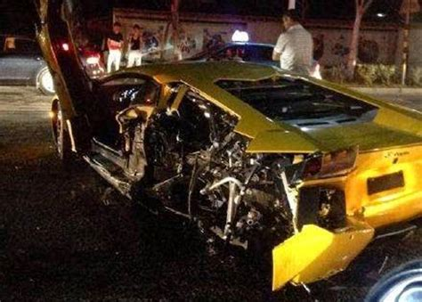 lamborghini veneno crash un nuevo lamborghini accidentado