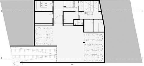 Casa Valna: Contemporary House Maximizes Space with a