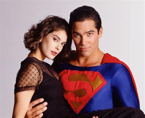 superman lois and clark lois clark all hail batgirl moved