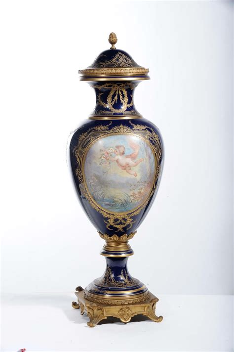 vasi di porcellana vaso in porcellana di sevres xix secolo antiquariato e