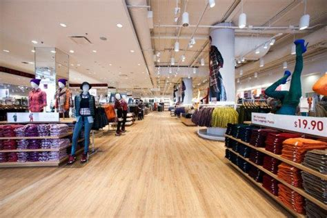 Stores At Garden State Plaza by Uniqlo Westfield Garden State Plaza Store Retail Customer Experience