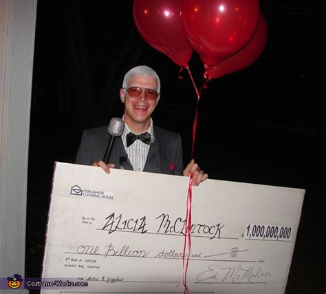 Publishers Clearing House Costume - publishers clearing house winner halloween costume idea for couples photo 2 3